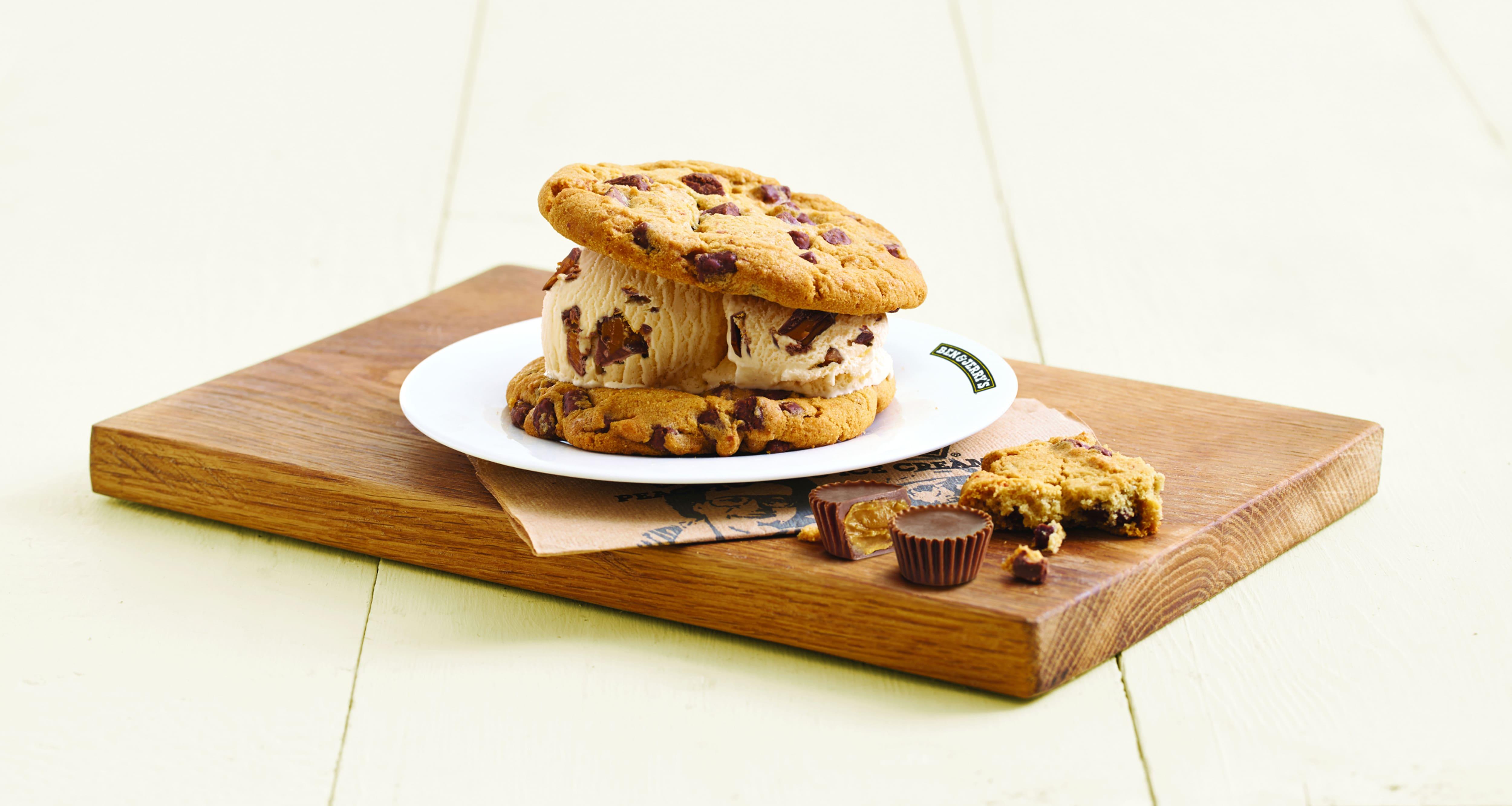 B&J_Cookie-Sandwich_neu.jpg