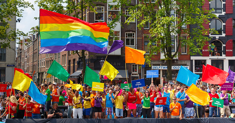 COC Nederland boat на Amsterdam Canal Parade 2014